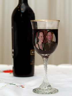 Wedding Photo Ideas - Bride & Groom Enjoying A Drink