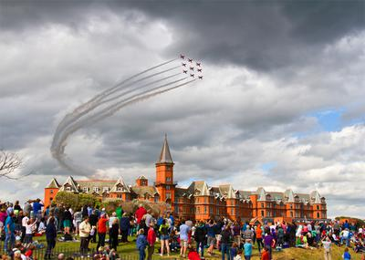 Red Arrows Flying Over Slieve Donard Hotel