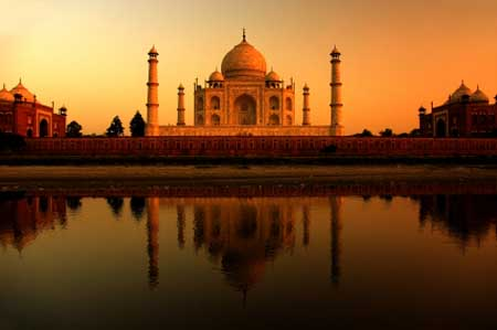 Evening Landscape Photography Of The Taj Mahal, India At Sunset