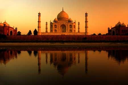 Evening Landscape Photography Of The Taj Mahal, India At Sunset