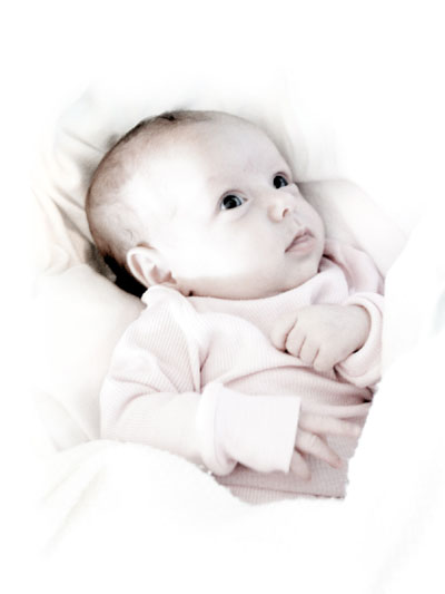 Excellent Newborn Baby Pose - Wrapped In White Blankets
